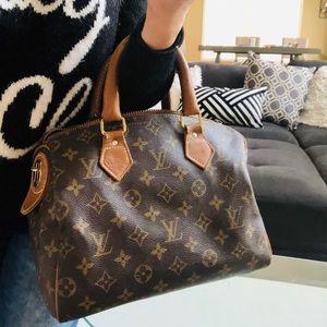 Louis Vuitton Bags - Authentic vintage Louis Vuitton speedy